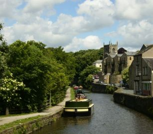 Skipton and the canal