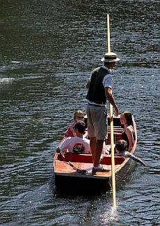 The River Thames Guide - Thames Boat Hire - Salters ...